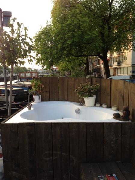 Houseboat-Bath