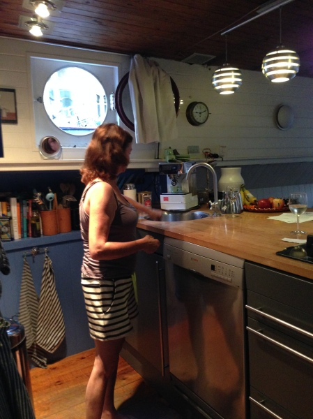 Houseboat-Kitchen