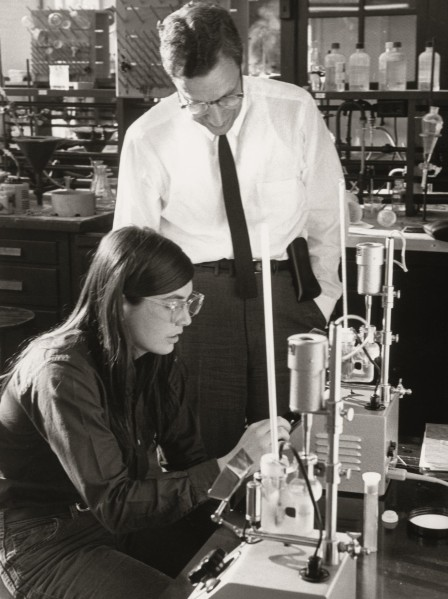 Radcliffe-chemistry-1971
