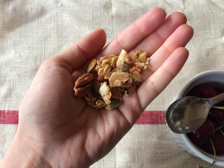 granola-handful