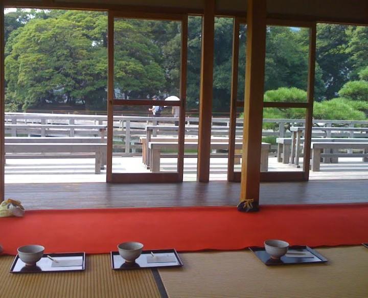 Hamarikyu-tea-pavilion