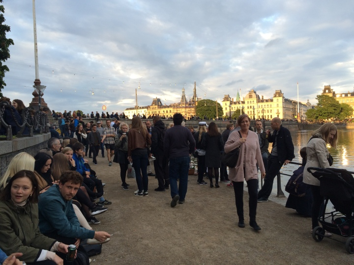 sankt-hans-aften-crowds